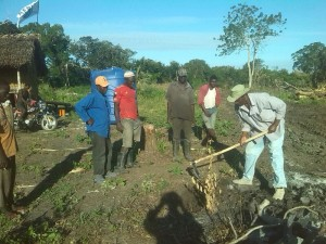 ACAI Instructor trains students to build an onion nursery.